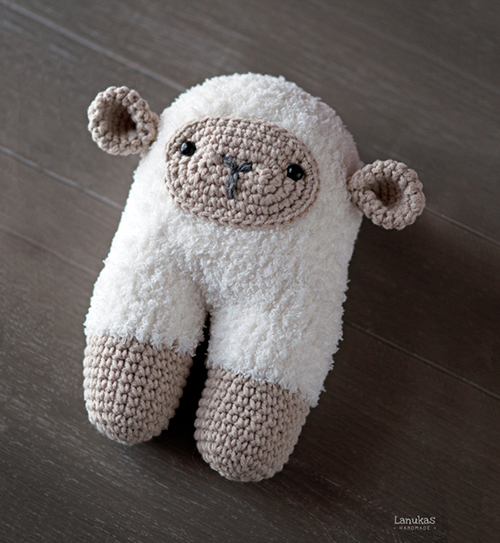 Beeetty Sheep - Free amigurumi pattern