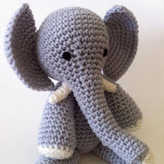 E is for Elephant amigurumi by Ami Amour