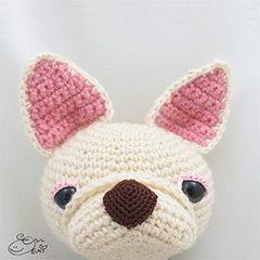 Crepe the French Bulldog amigurumi pattern by Emi Kanesada (Enna Design)
