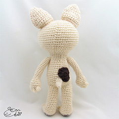 Crepe the French Bulldog amigurumi by Emi Kanesada (Enna Design)