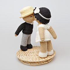 Kissing dolls amigurumi pattern by StuffTheBody