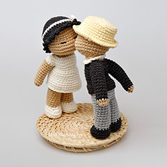 Kissing dolls amigurumi by StuffTheBody
