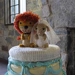 O-So-Cute Lion&Lamb Wedding Topper amigurumi pattern by Sahrit