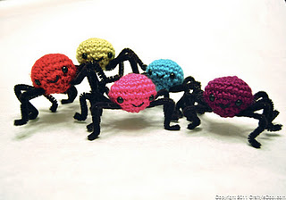 2000 Free Amigurumi Patterns: Spider