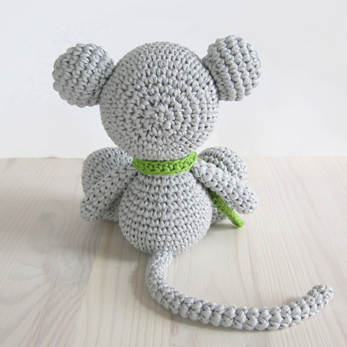Free Amigurumi Pattern Little Girl Kate : Small sitting mouse amigurumi pattern - Amigurumipatterns.net