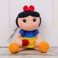 Snow white doll amigurumi by One and Two Company