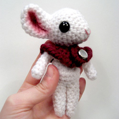 Stella the Mouse amigurumi pattern by sarsel
