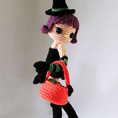 Violet and Ivy amigurumi by Tales of Twisted Fibers