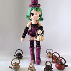 Violet and Ivy amigurumi pattern by Tales of Twisted Fibers