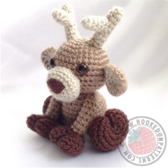 Noel the Reindeer  amigurumi pattern by Hooked On Patterns