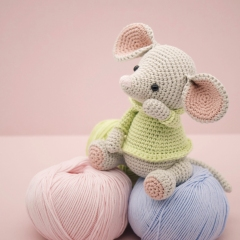 Albert the Mouse amigurumi pattern by LittleAquaGirl