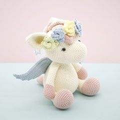 Harriet the Pegasus amigurumi pattern by LittleAquaGirl