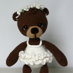 Bonbon, the Ballerina Bear amigurumi pattern by Elfin Thread