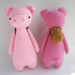 Tall pig with backpack amigurumi by Little Bear Crochet