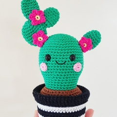 Cactus Friends amigurumi pattern by Super Cute Design