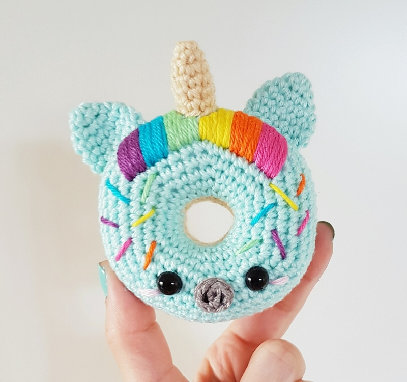 Free Online Crochet Patterns For Amigurumi : Unicorn Donuts amigurumi pattern - Amigurumipatterns.net