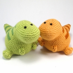 Lou the T-Rex amigurumi pattern by Critterbeans
