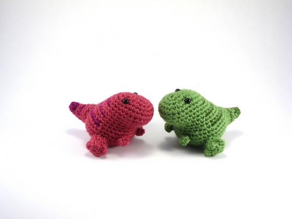 Crochet Patterns Free Doll Clothes : Wee Rex - Free amigurumi pattern