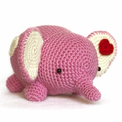 Love and Star Elephant amigurumi by DIY Fluffies