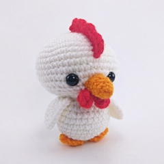 Chirp the Chicken amigurumi pattern by Theresas Crochet Shop