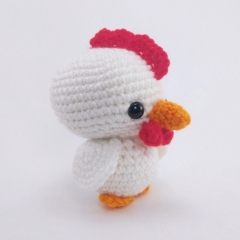 Chirp the Chicken amigurumi by Theresas Crochet Shop