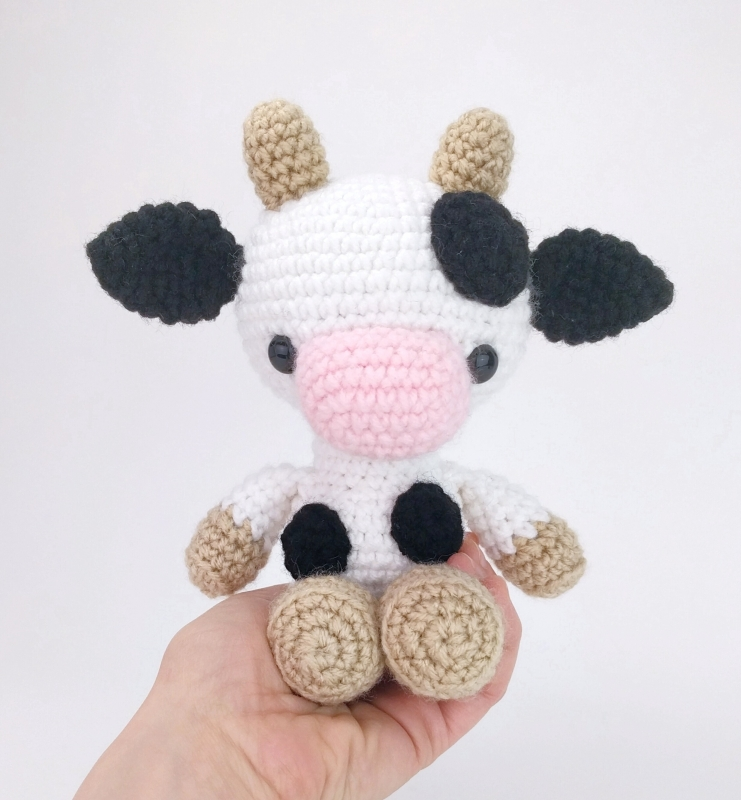 Chloe the Cow amigurumi pattern - Amigurumipatterns.net