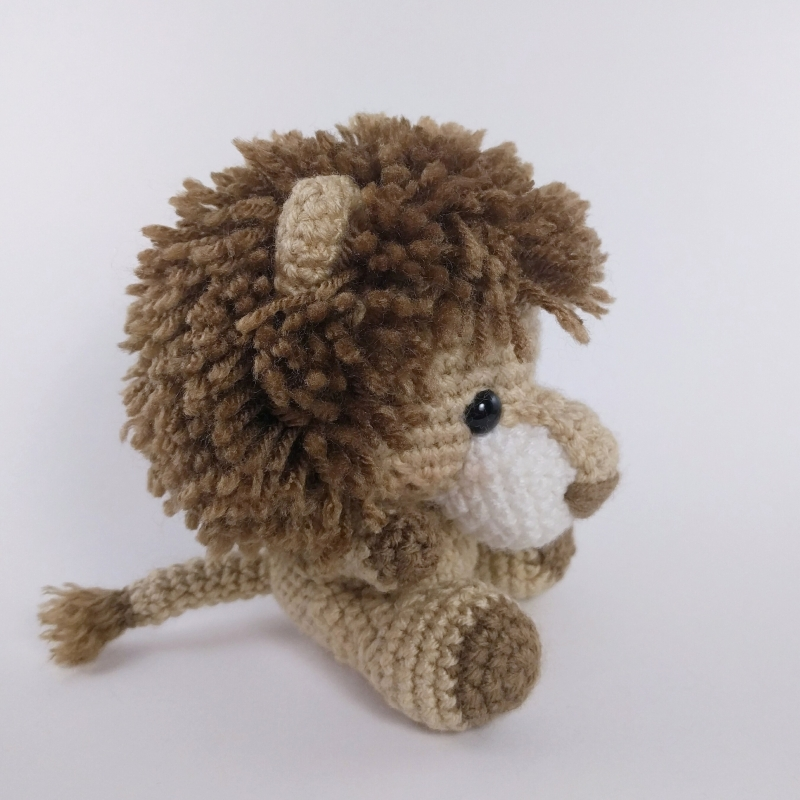 Amigurumi Lion Perriton : Adorable lion and lioness amigurumi pattern