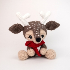 Devin the Deer amigurumi pattern by Theresas Crochet Shop