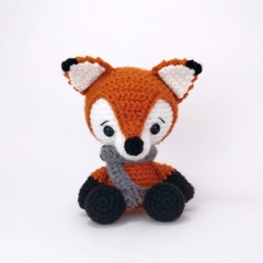 Frankie the Fox amigurumi pattern by Theresas Crochet Shop