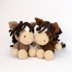 Henry the Horse amigurumi pattern by Theresas Crochet Shop
