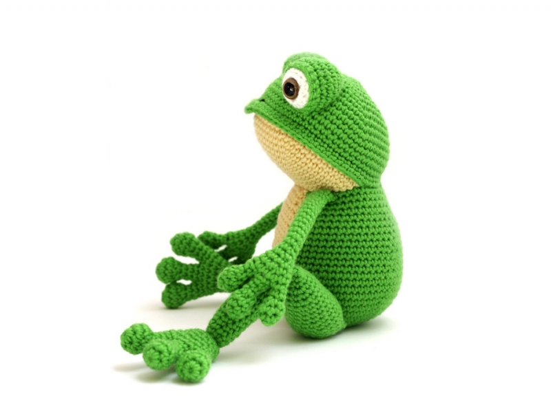 Prince Perry the Amigurumi Frog - PDF crochet pattern by Airali ... | 589x800