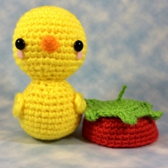 Pudgy Ducky in his Strawberry Hat! amigurumi by Sugar Pop Crochet