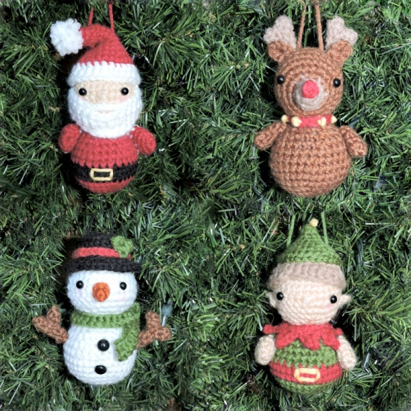 Santa Claus and Reindeer amigurumi pattern - Amigurumipatterns.net | 600x600