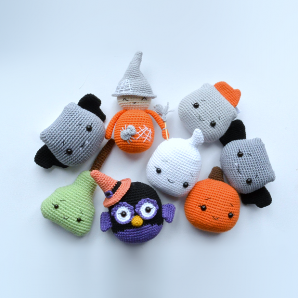 17 Fabulously Spooky Halloween Crochet Patterns - Whistle and Ivy | 600x600