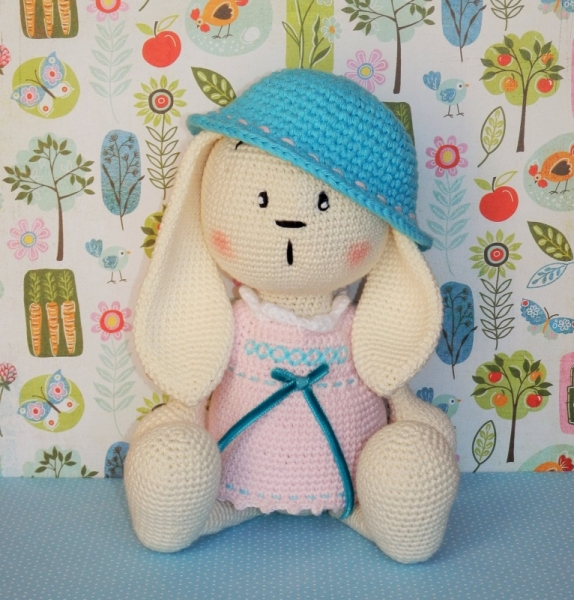 Berry Patch Bunny Girl Version - A Free Amigurumi Pattern - Grace ... | 600x574