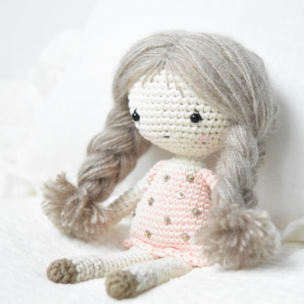 118 Crochet Pattern - Girl doll in a frog outfit - Amigurumi Pdf ... | 600x600