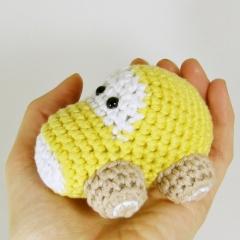 Little car amigurumi by Marika Uustare