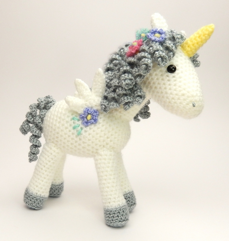 Tutorial Amigurumi Unicorno : Curlicue the Unicorn amigurumi pattern - Amigurumipatterns.net
