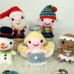 Minimals - Itsy Bitsy Christmas amigurumi by Janine Holmes at Moji-Moji Design