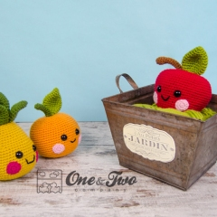 Alice, Oliver and Perry the Fruit Friends amigurumi by One and Two Company