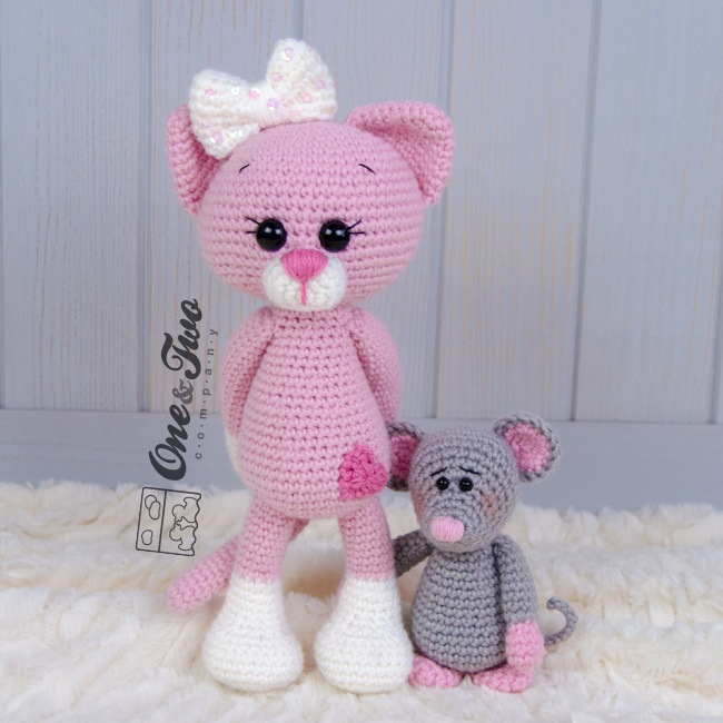 Amigurumi Crochet Mouse Pattern : Kissie the Kitty and Skip the Little Mouse amigurumi ...