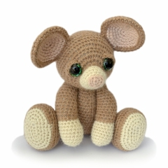 Basil the Mouse amigurumi pattern by Patchwork Moose (Kate E Hancock)