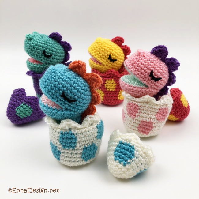Crochet Pattern: Baby's Dino Hat with Cape | 650x650