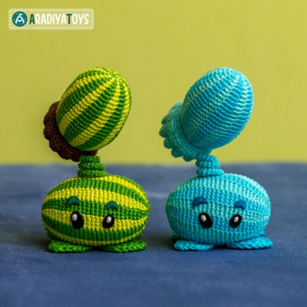 Amigurumi Plants Vs Zombies Patterns : Melon-pult and Winter Melon (