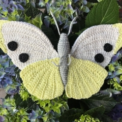 Cabbage White Butterfly amigurumi by MieksCreaties