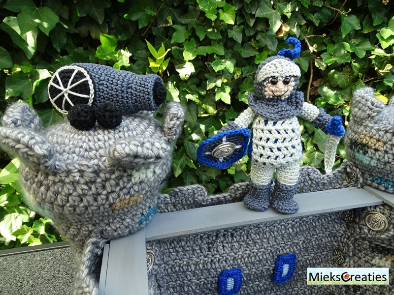 Castle and knight amigurumi pattern - Amigurumipatterns.net