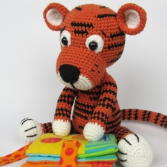 Little Tiger Tomy  amigurumi by DioneDesign