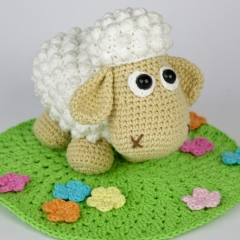Sheep Wolli and Lamb Lucky amigurumi by DioneDesign