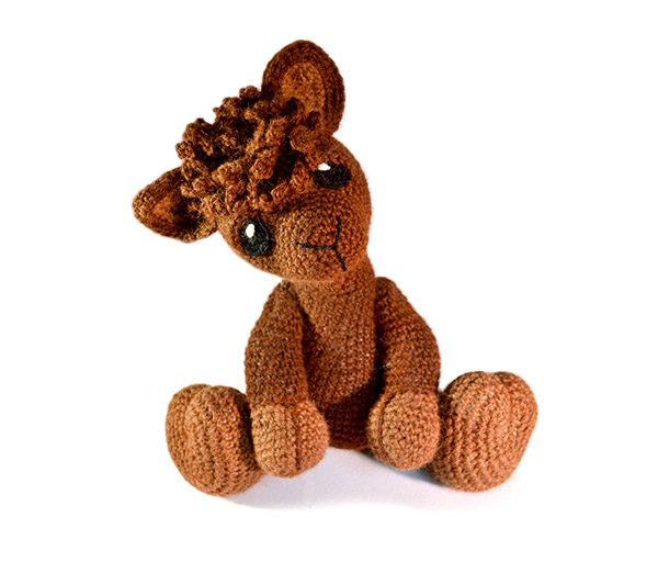 Huggable Crochet Alpaca (or Llama!) Toy - free pattern + tutorial | 522x600