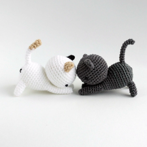 Free Little Kitty Cat Amigurumi Crochet Pattern And Tutorial : Neko atsume - Free amigurumi pattern